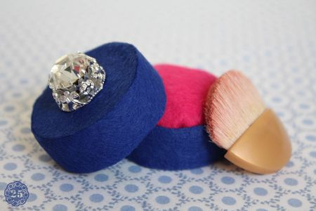 fabriquer ses cadeaux de no l un set de maquillage en. Black Bedroom Furniture Sets. Home Design Ideas
