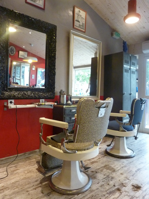 R troactif un coiffeur pas comme les autres sur l le de - Caisse enregistreuse pour salon de coiffure ...