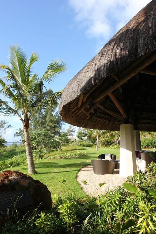 1-Lobby-So_Mauritius-Sofitel-ile_maurice-voyage-hotel-vegetation