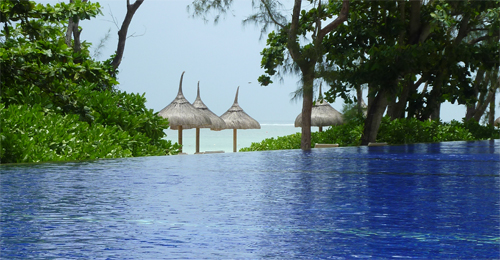 2-Piscine-Mer-So_Mauritius-Sofitel-ile_maurice-voyage-hotel
