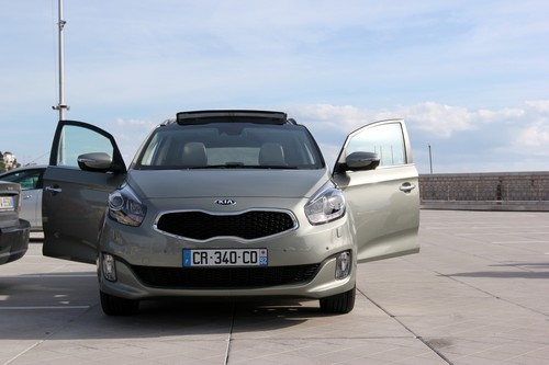 KIA_Carens-Monospace-Voiture-Cars-Famille-Family-2013-avant