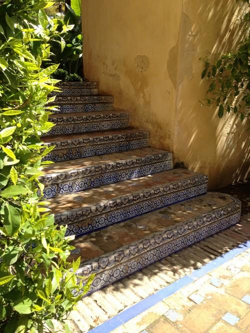 Alcázar_de_Sevilla-Seville-Palais-Jardin-Spain-escalier-mosaique-azulejos