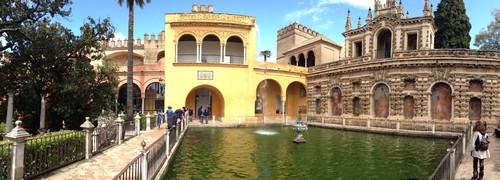 Alcázar_de_Sevilla-Seville-Palais-Jardin-Spain-panoramique-2