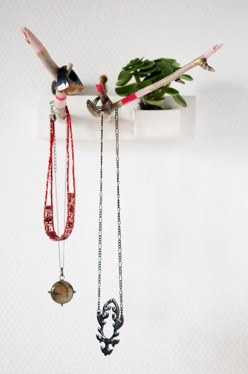 DIY-Presentoir-bijoux-Hanging-jewel-mothers_day-fete_des_meres