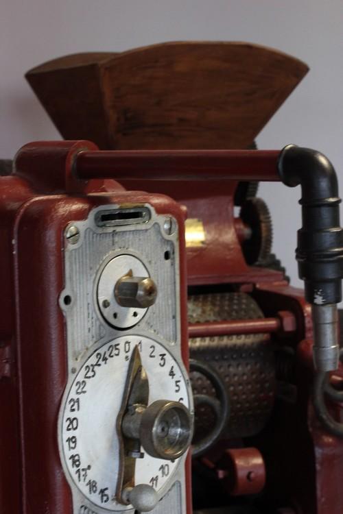 Huilerie-Croix_verte-France-La_Tourangelle-Factory-Pressoir-vintage