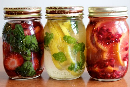 DIY-Flavor-infused-Vodka-fruits-Fathers_day-Fete_des_peres