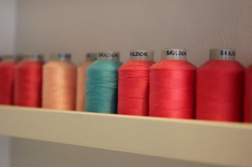 Atakontu-Boutique-alternative-Mode-Graphisme-Bilbao-Bizkaia-sewing-couture-fil-roses