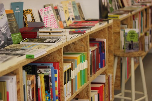 Bilbao-La_Vieja-Calle_dos_de_Mayo-Bizkaia-Librairie-librería-ANTI_Liburudenda
