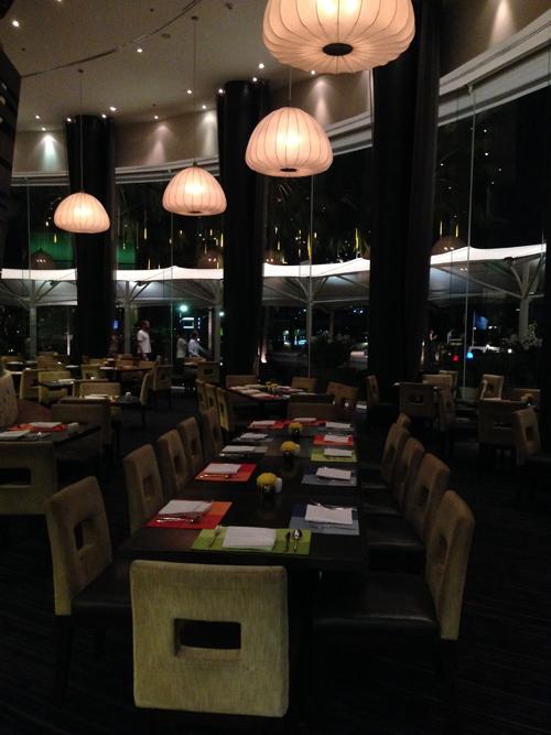 Chatrium_Riverside_Hotel-Bangkok-design-decoration-restaurant