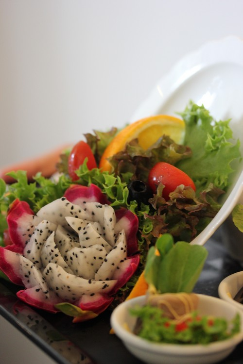 Chatrium_Riverside_Hotel-Bangkok-Thailand-food-salade-fruit_du_dragon