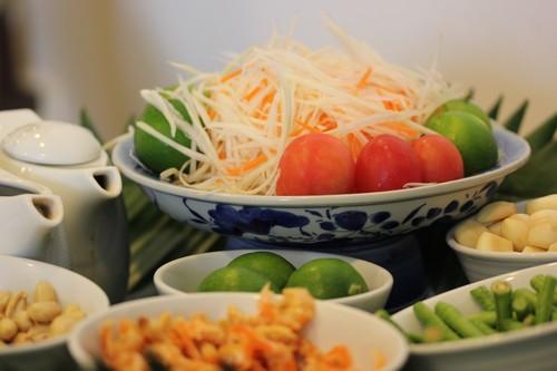 Chatrium_Riverside_Hotel-Bangkok-Thailand-food-salade_de_papaye_verte-ingredients