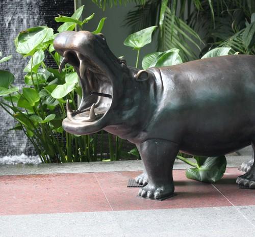 Chatrium_Riverside_Hotel-Bangkok-Thailand-garden-outdoor-sculpture-hippopotamus
