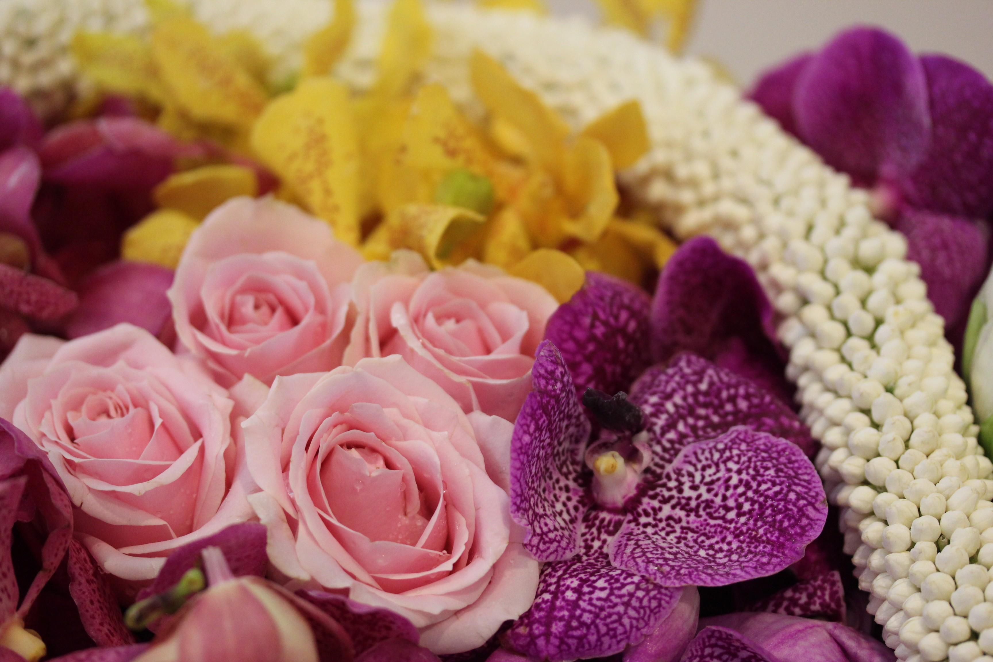Chatrium_Riverside_Hotel-Bangkok-Thailand-orchid-flowers-jasmin-rose