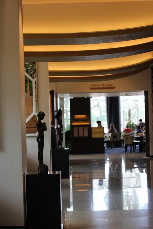 Chatrium_Riverside_Hotel-Bangkok-Thailand-restaurant-self-River_barge