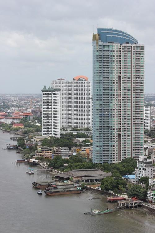 Chatrium_Riverside_Hotel-Bangkok-Thailand-room-view-Chao_Praya-building