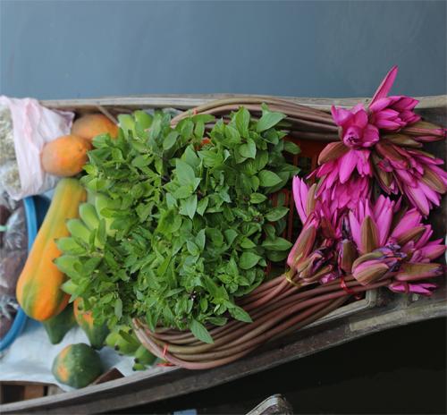 Talat_Nam-Tha_kha-Floating_Market-Thailand-Blogtrip-Klong-marche_flottant
