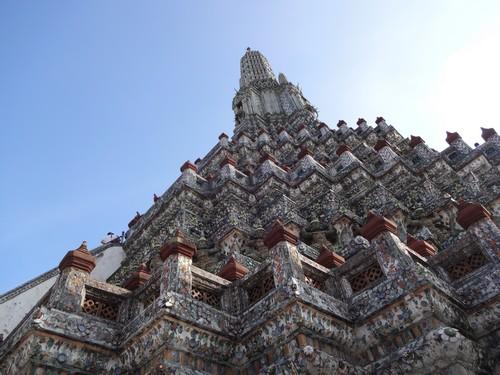 Wat_Arun-Temple_de_l_aube-Temple_of_Dawn-Bangkok-thailand-Blogtrip-2