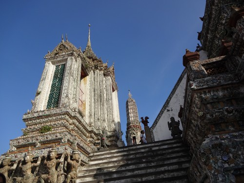 Wat_Arun-Temple_de_l_aube-Temple_of_Dawn-Bangkok-thailand-Blogtrip-3