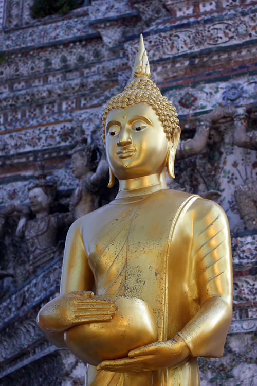Wat_Arun-Temple_de_l_aube-Temple_of_Dawn-Bangkok-thailand-Blogtrip-Buddha