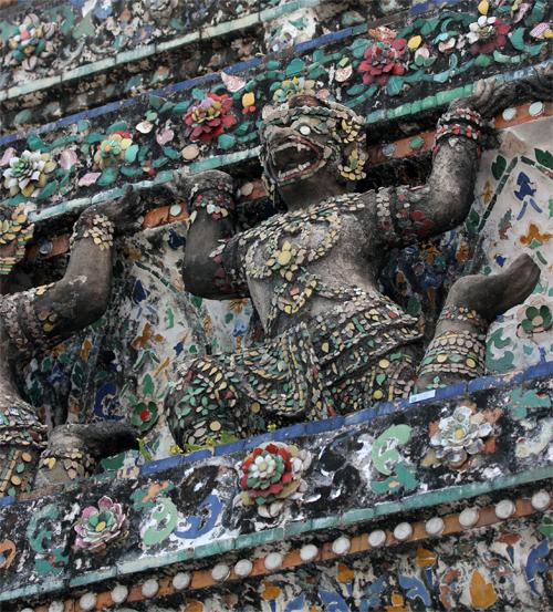 Wat_Arun-Temple_de_l_aube-Temple_of_Dawn-Bangkok-thailand-Blogtrip-details-12.