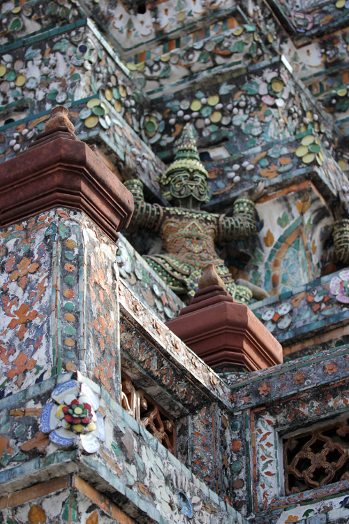 Wat_Arun-Temple_de_l_aube-Temple_of_Dawn-Bangkok-thailand-Blogtrip-details-2