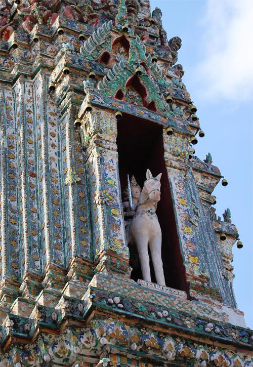 Wat_Arun-Temple_de_l_aube-Temple_of_Dawn-Bangkok-thailand-Blogtrip-details-3