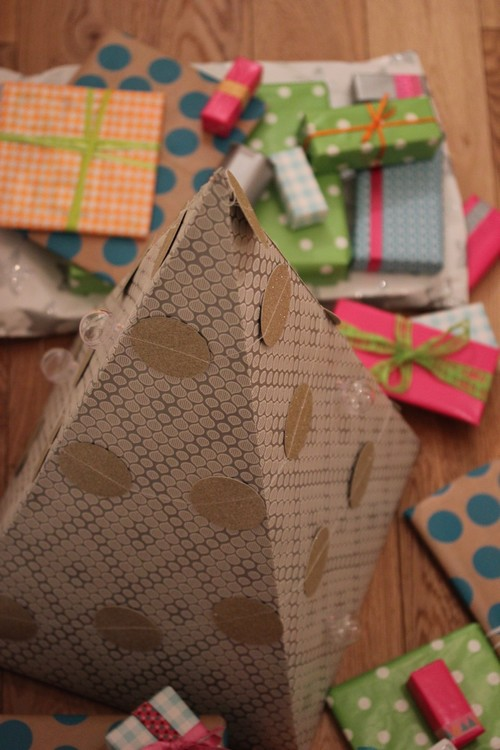 DIY_Advent_Calender-Wall_Paper-Pyramid-2014-Home_made-2