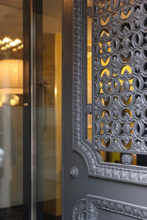 o dormir dans le 9e arrondissement de paris les plumes. Black Bedroom Furniture Sets. Home Design Ideas