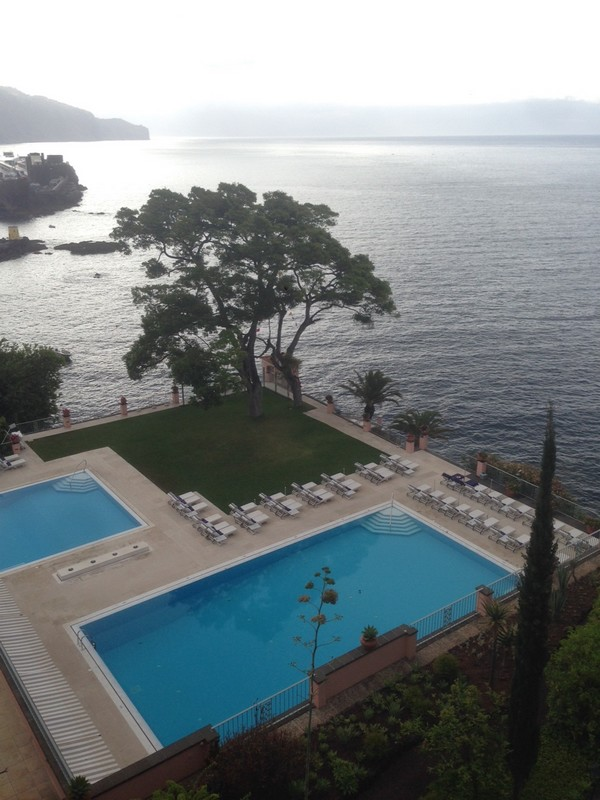 Belmond_Reids_Palace-Hotel-Madeira-Luxe-Portugal-Madere-Blogtrip-Travel-pool-2