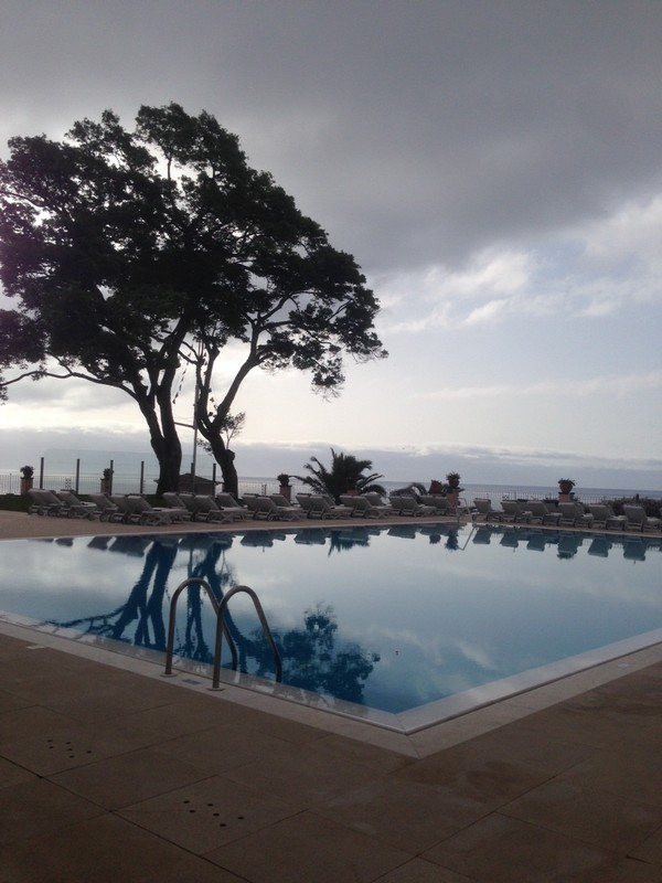 Belmond_Reids_Palace-Hotel-Madeira-Luxe-Portugal-Madere-Blogtrip-Travel-pool-3