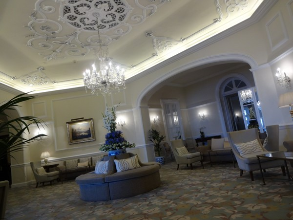 Belmond_Reids_Palace-Hotel-Madeira-Luxe-Portugal-Madere-Blogtrip-Travel-salon