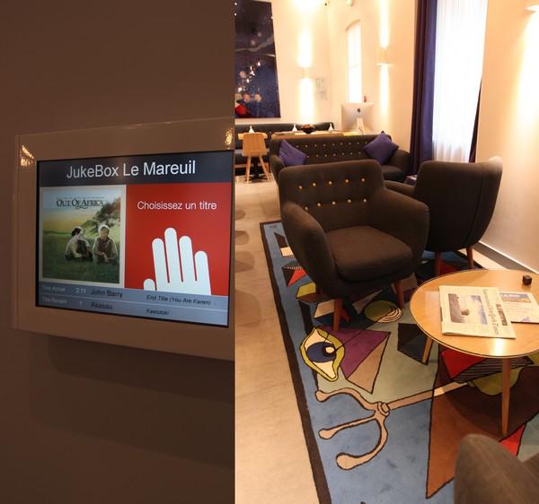 Hotel_Le_Mareuil-Paris-boutique_hotel-11e_arrondissement-Espace_salons-Jukebox