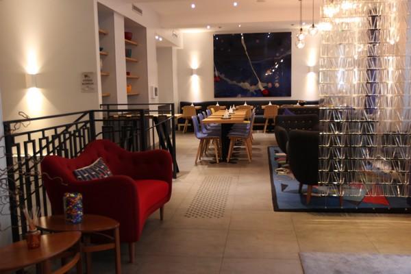L h tel le mareuil un havre de paix paris f esmaison for Boutique hotel 9th arrondissement