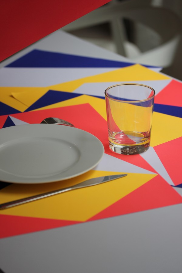 OMY_studio-Design-Coloring-Showroom-Paris-10e-OMY_design_Play-graphic_placemats-Graphic_02