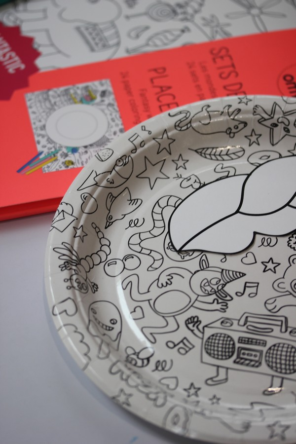 OMY_studio-Party_set-Design-Coloring-plates-placemats-kids-Showroom-Paris-10e-OMY_design_Play