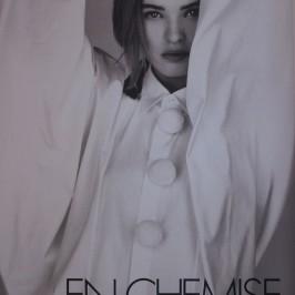 La_vallee_village-Luxury-shopping-Manifeste_de_la_chemise_blanche-Elle_Magazine-fashion-mode-paris-Galerie_Art-Exposition-1989