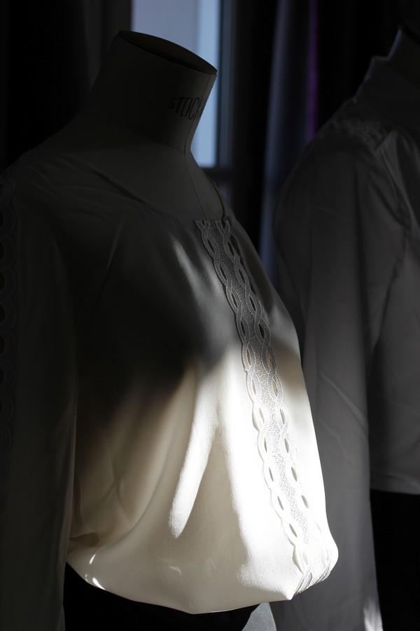 La_vallee_village-luxury-shopping-Manifeste_de_la_chemise_blanche-Elle_Magazine-fashion-mode-paris-brunch-salon-luxury-1