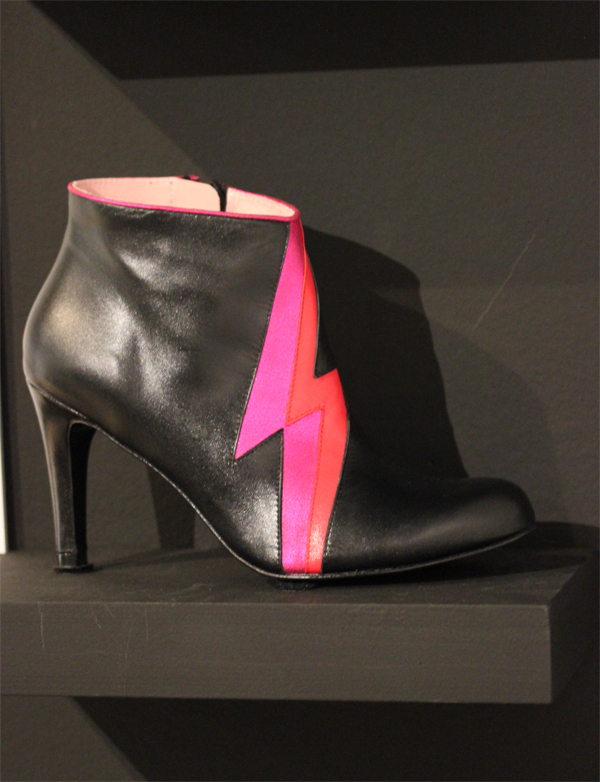 Le_dressing_de_reve_des_parisiens-Exposition-Au_feminin-Paris-Fashion-Shoes-Annabel_Winship-creators-MISFIT-Boots