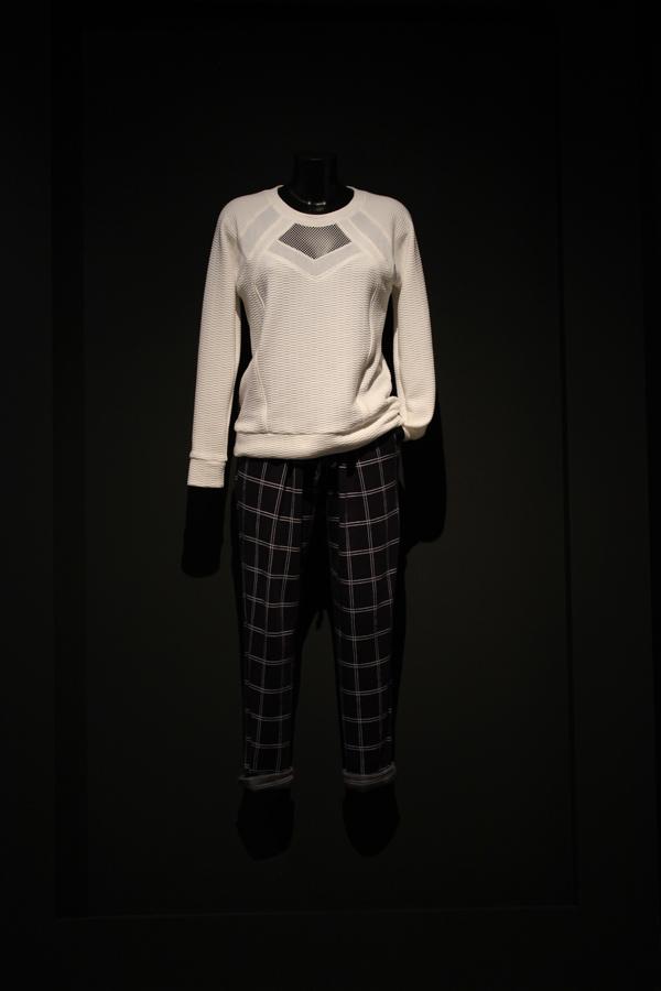 Le_dressing_de_reve_des_parisiens-Exposition-Au_feminin-Paris-Fashion-creators
