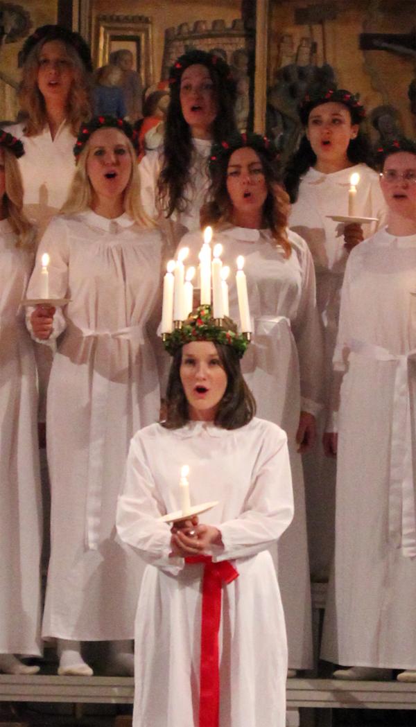 Goteborg-Sweden-Travels-Trip-Christmas-Santa_Lucia-Suede-Procession-3