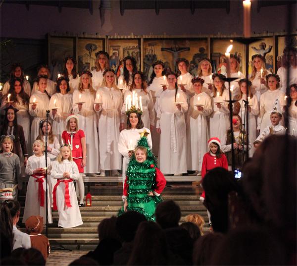 Goteborg-Sweden-Travels-Trip-Christmas-Santa_Lucia-Suede-Procession-4
