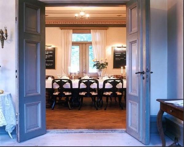 Villa sj torp hotel charme trip press sweden suede salle a - Hotels de charme le treehotel en suede ...