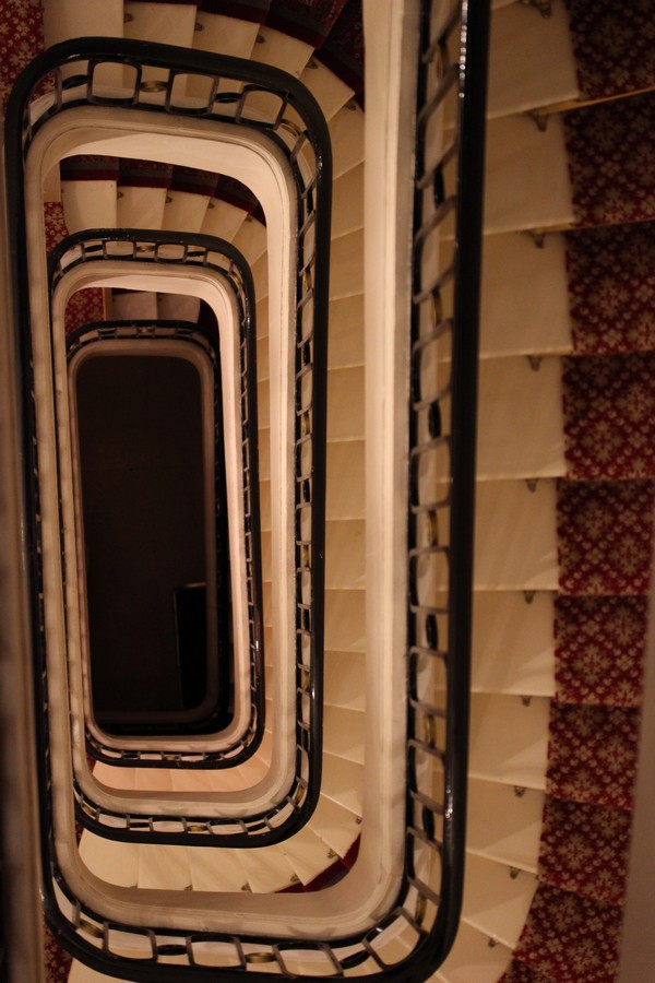 Hotel_Westminster-Paris-Warwicz-Cocktail_signature-Renovation-escaliers