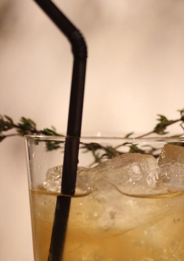 Hotel_Westminster-Paris-Warwicz-Cocktail_signature-my_cocktail-rhum-thym