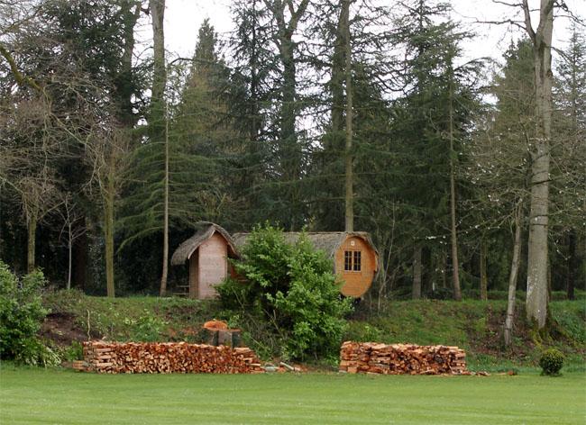 le domaine des ormes bretagne cabanes insolite lanterne. Black Bedroom Furniture Sets. Home Design Ideas