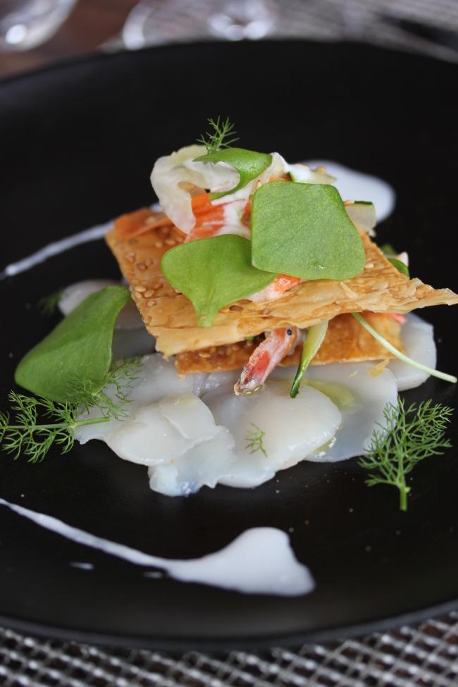 Restaurant-Ar_Milin-Noix_de_Saint_Jacques_Gambas_marinees-Logis-Bretagne