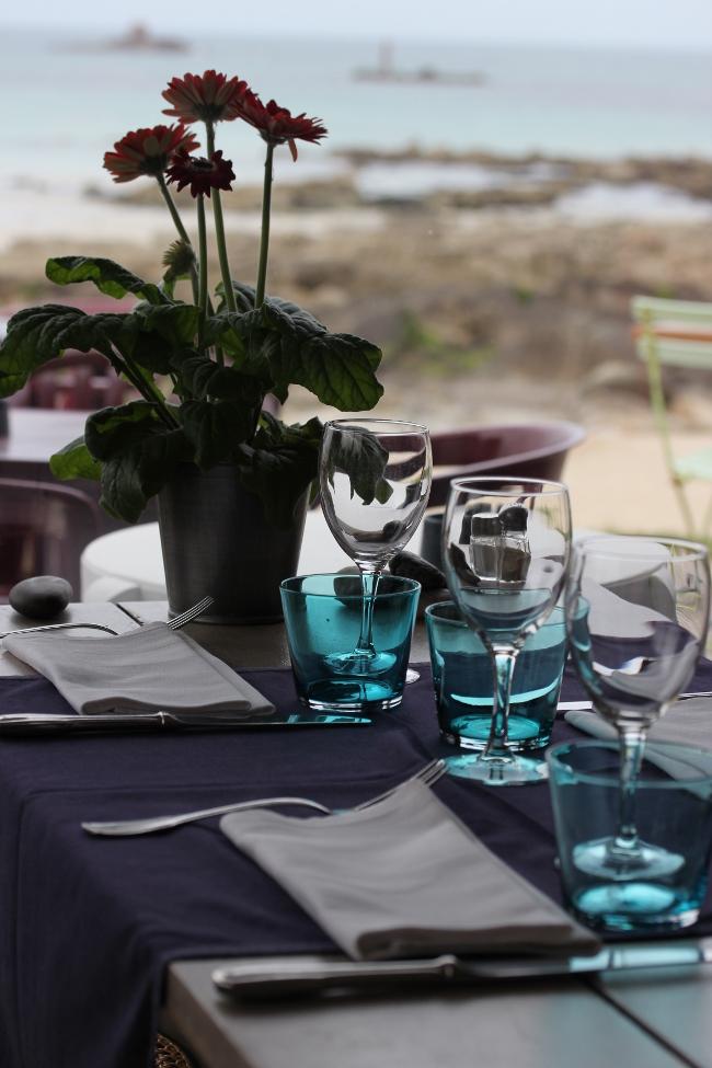 Plouescat-Bretagne-Finistere-Restaurant_Roc_h_ar_mor-decoration-table