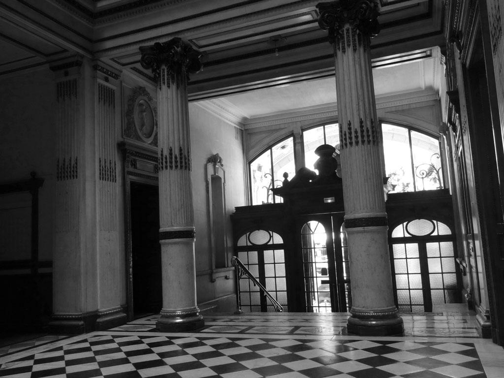 Aix_les_bains-Palace-Luxe-Grand_Hotel-Belle_Epoque-Neoclassique-Entree