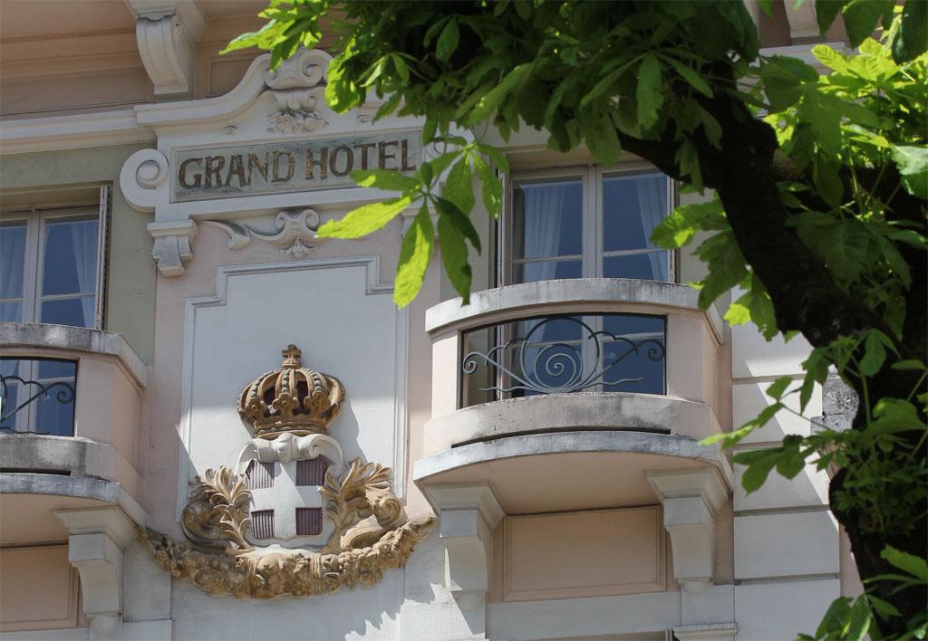 Aix_les_bains-Palace-Luxe-Grand_Hotel-Belle_Epoque-Neoclassique