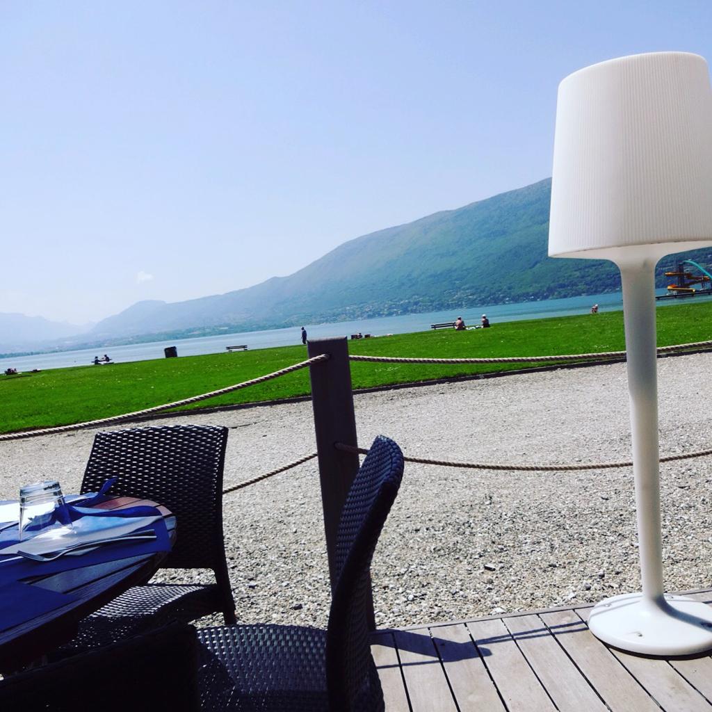 La_plage-Aix_les_bains-France-Lac_du_Bourget-Tourisme-Restaurant-Bar_Lounge